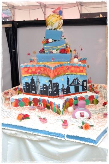 Tort 2000 porccji - zdjęcie 1