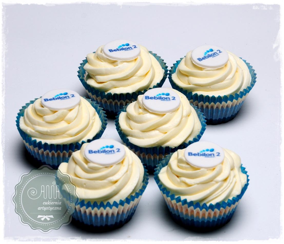 Muffiny z kremem i logo - zdjęcie 1